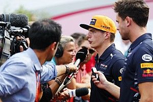 """Verstappen angry to be """"competing"""" with Alonso on retirements"""