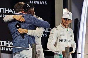 Wolff: Hamilton csak azért maradt nálunk 2016-ban, mert miénk volt a legjobb autó