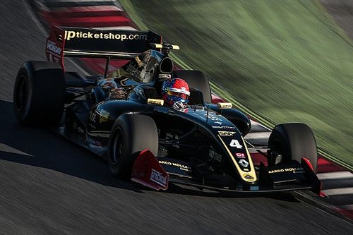 Fittipaldi switches to Lotus for 2017 F3.5 season