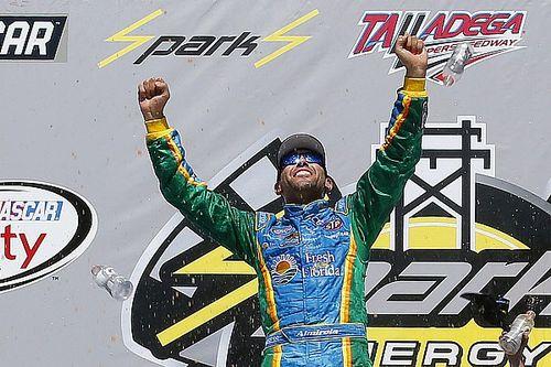 Almirola vence em Talladega pela Xfinity Series