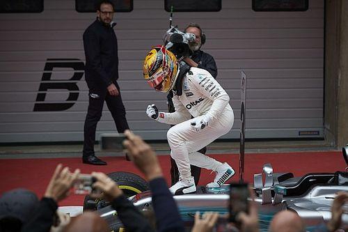 """Hamilton: """"Vincere contro Vettel e una Ferrari così è più bello!"""""""