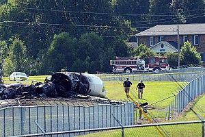 """""""El avión estaba rodeado de llamas"""", testigos del accidente de Earnhardt"""