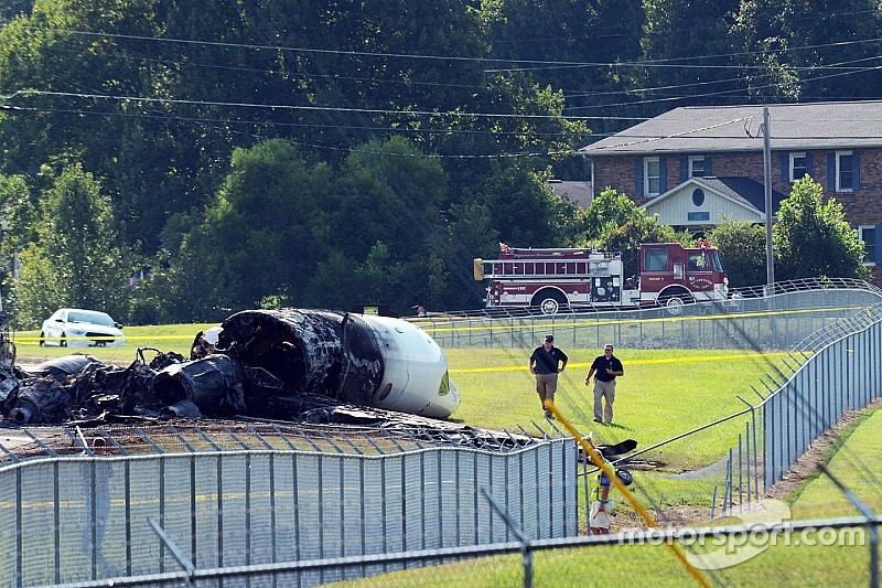 "Witness to Dale Jr. plane crash: ""There are people in there!"""