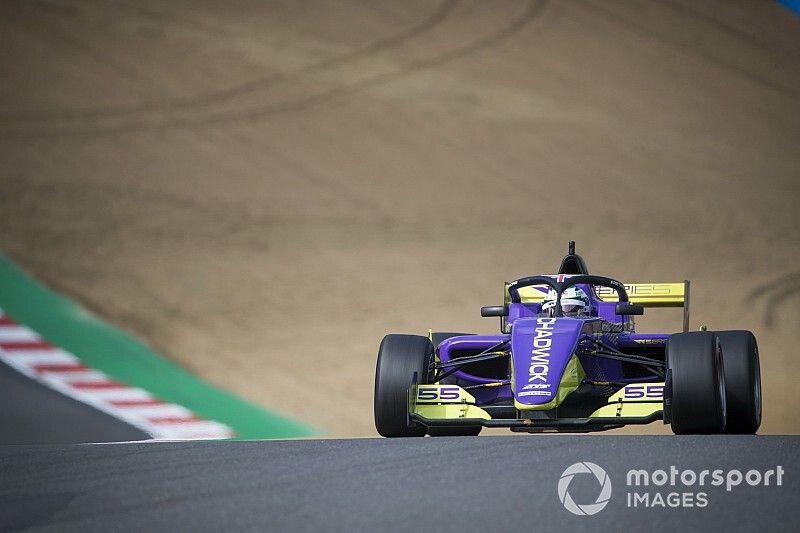 Chadwick acaricia el título tras hacerse con la pole en Brands Hatch