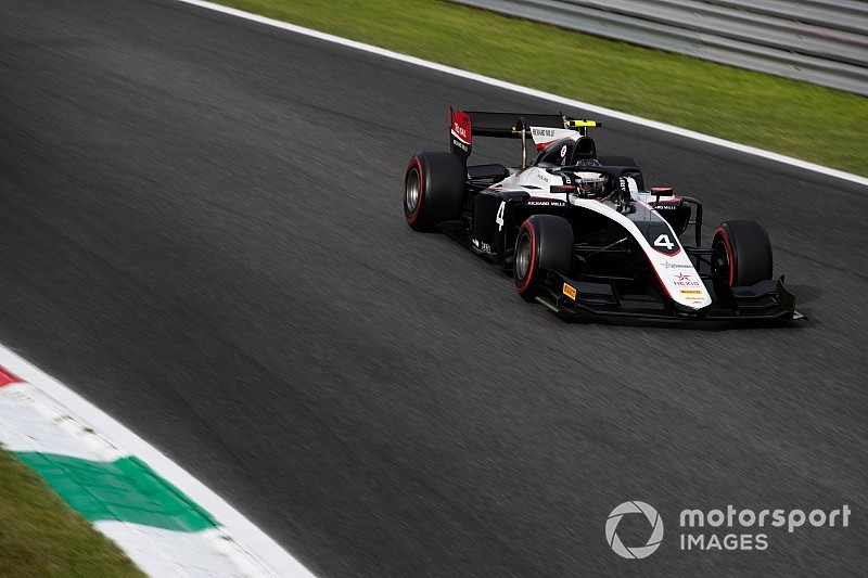 F2 points leader de Vries excluded from Monza qualifying