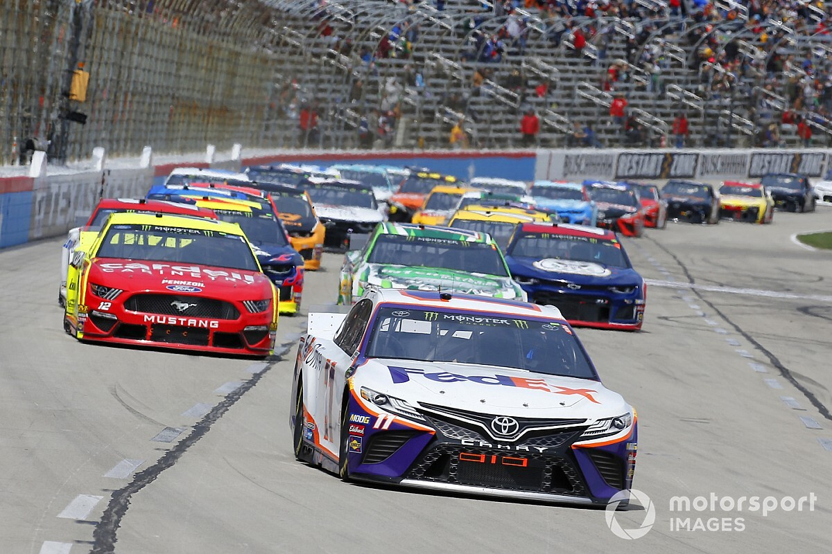 What time and channel is the Texas NASCAR race today?
