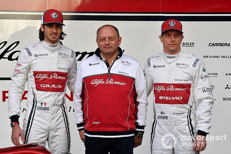 Räikkönen és Giovinazzi is gyönyörűnek látja az Alfa Romeo C38-at