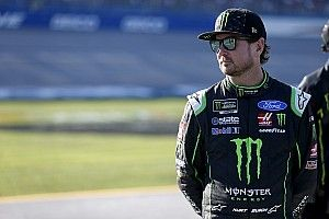 "Kurt Busch criticizes NASCAR for ""two missed calls"" at finish"