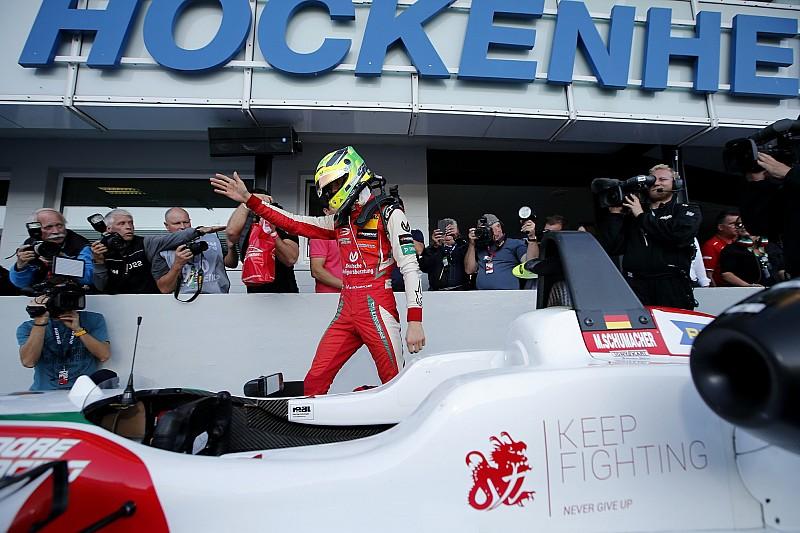 """Kampioen Schumacher: """"Alsof ik in een droomwereld leef"""""""