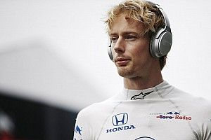 "Hartley reclama de falta de ""suporte total"" da Toro Rosso"