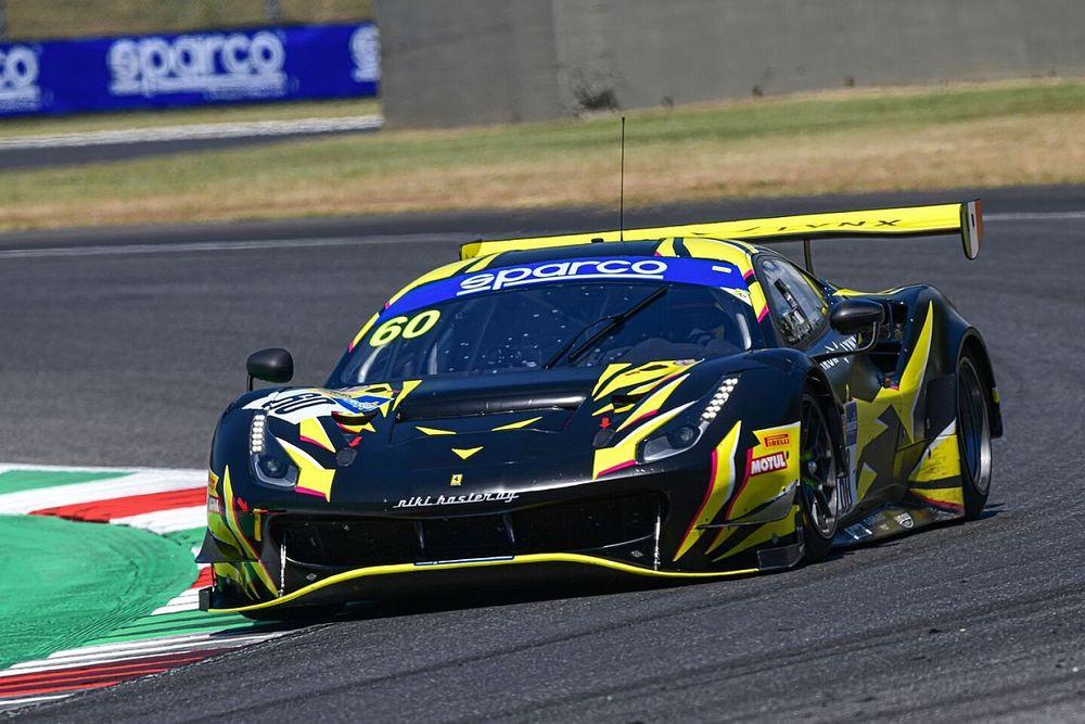 Trzy Ferrari na czele