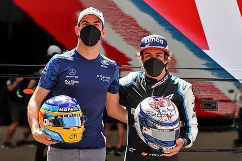 Alonso Teruskan Tradisi Tukar Helm dengan Para Rival