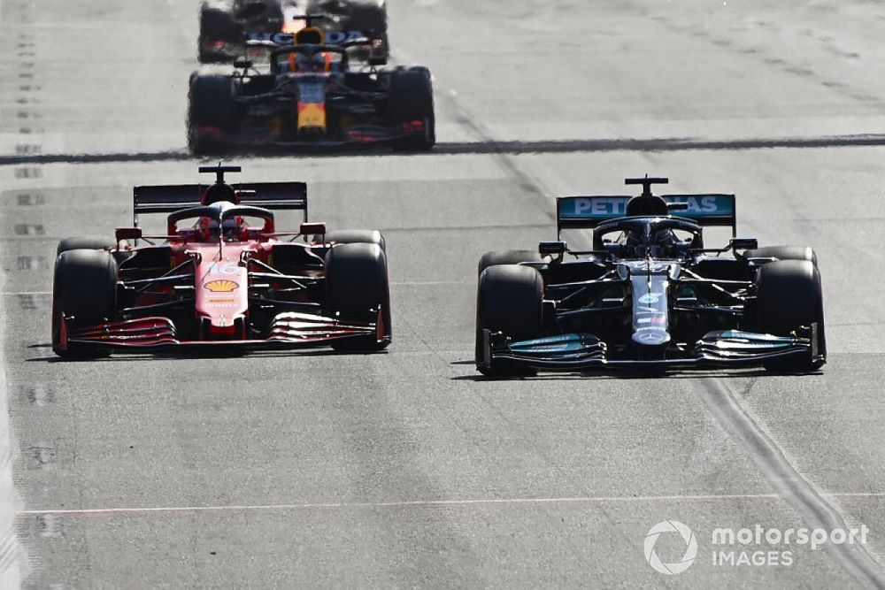 Крылья Хэмилтона и Леклера: помогли в субботу, подвели в гонке