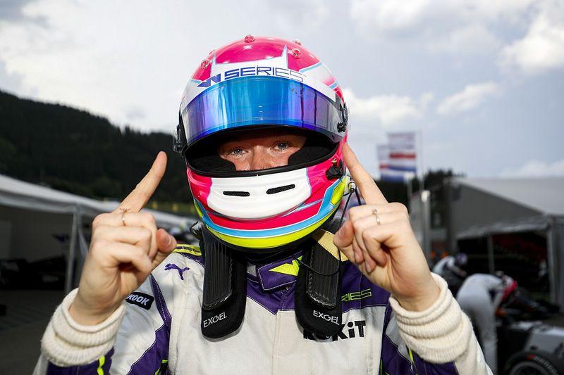 W Series: Powell Raih Pole Position Kedua Musim Ini