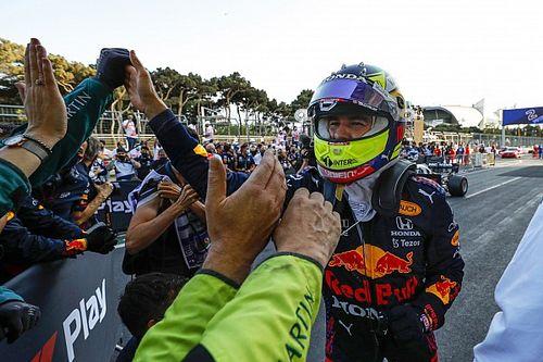 Hill: Pérez tiene un buen ritmo en carrera y no es como Bottas