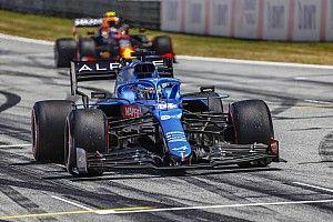 """Alonso """"un peu triste"""" d'avoir privé Russell d'un point"""