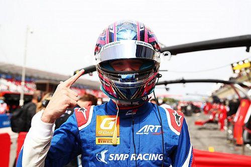 Smolyar gana a Martins en la última vuelta de la carrera 1 de F3