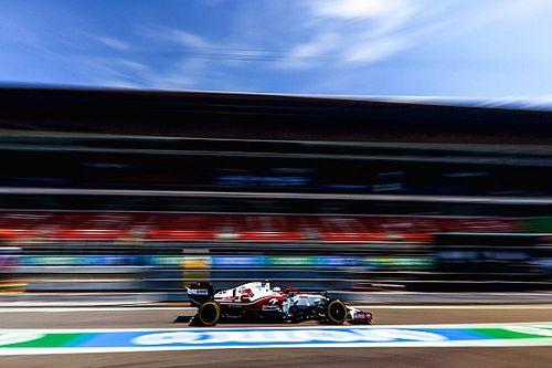 ジョビナッツィ、スペインGPは不運重なり15位。ガレージで作業中に新品タイヤのバルブ破損