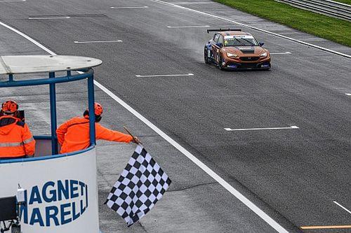 TCR Italy, Monza: Tavano mago della pioggia in Gara 1