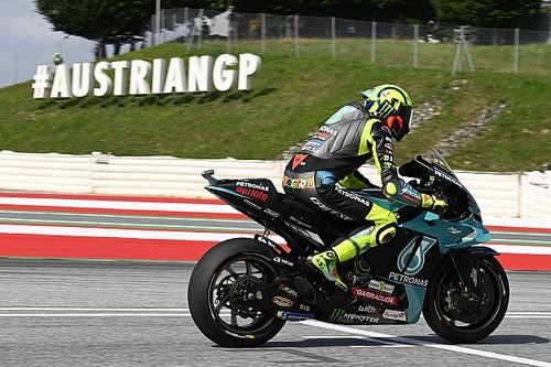 Valentino Rossi Kesal Start dari Baris Keenam Lagi