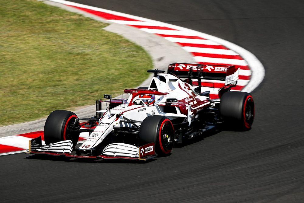 """Alfa Romeo """"aptalca hatalar"""" nedeniyle puanlar kaybettiğini düşünüyor"""