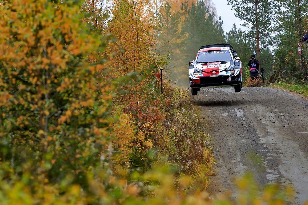 WRC, Rally Finlandia, PS15: Evans chiude la giornata in testa