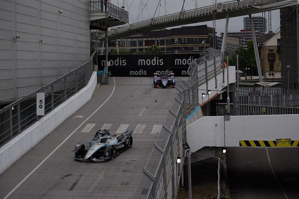 """FE drivers fear overtaking will be """"near-impossible"""" in London"""