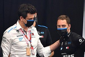 Vandoorne na pole position