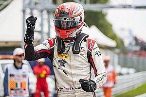 F2 Sochi: Russell wint zeer chaotische sprintrace, De Vries fraai vierde