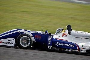 """Shvartzman beffa Schumacher per 0""""047 e si prende la pole position di Gara 1 al Nürburgring"""