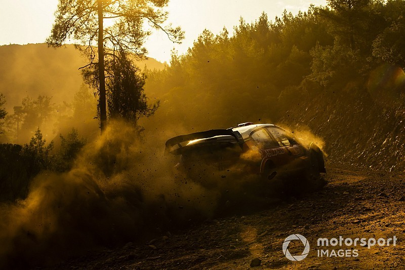 Képek a Török Raliról: mozgásban a WRC mezőnye