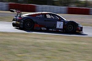 Alex Riberas y Christopher Mies heredan la victoria en Nurburgring