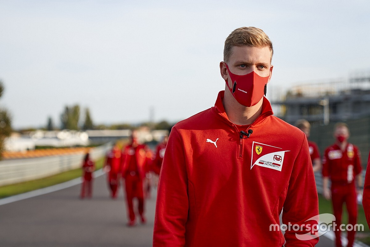 """Vettel: """"Mick, kendisinden beklenmeyecek kadar olgun"""""""