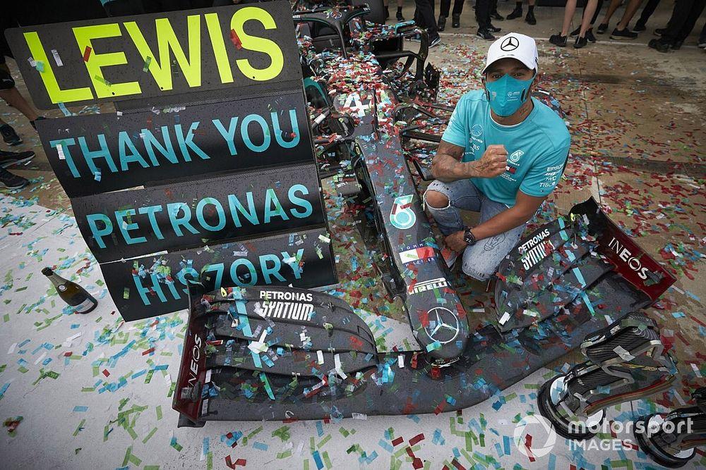 "Hamilton: vencer o campeonato de construtores é ""quase mais emocionante"" que o de pilotos"