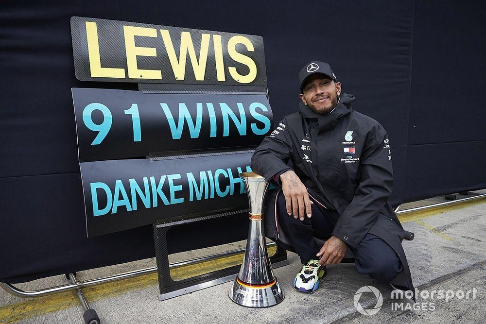 Hamilton, Schumacher'in rekorunu egale etme anısını anlamaya çalışacak