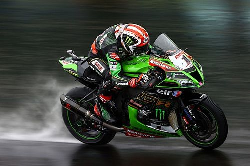 Rea pakt zege in Superpole Race, Van der Mark knap derde