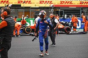 """Sainz, Ferrari'yle ilgili sorulardan """"sıkıldı"""""""