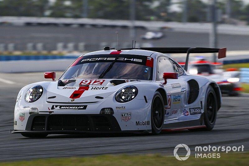 Mazda lidera la práctica nocturna en Daytona, Montoya en 7°