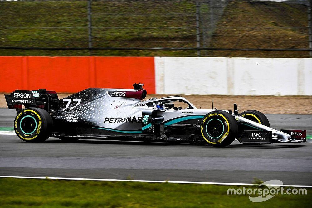 La Mercedes W11 en piste à Silverstone