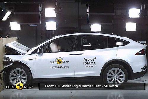 Videó: Nagyon jó eredményt ért el a frissített Tesla Model X az Euro NCAP töréstesztjén