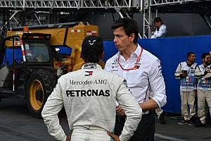 Onderhandelingen met Hamilton liggen stil, Wolff houdt vertrouwen