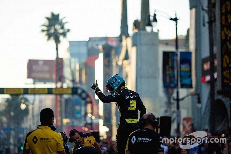 Ricciardo veut passer plus de temps avec l'équipe chez Renault