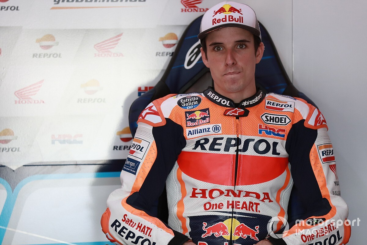 "Marquez ""a bit worried"" about Honda contract pressure"