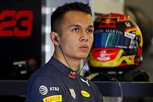 «Важно не задавать себе бессмысленных вопросов». Элбон о реакции на решение Red Bull и планах на новый сезон