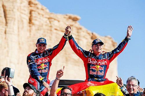 Sainz y Cruz entran en la leyenda del Dakar