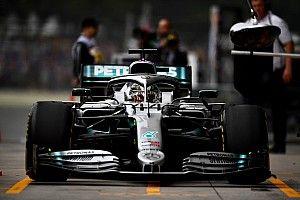 Így variáltak a Mercedesnél a gumimelegítőkkel - nem jött be