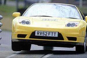 Videó: Rengeteg kilométert futott Jenson Button egykori Honda NSX-e