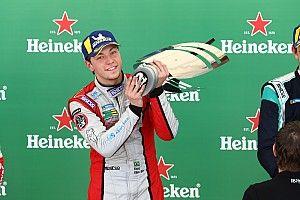 Atual campeão da 3.8, Enzo Elias estreia na classe 4.0 da Porsche Cup Brasil