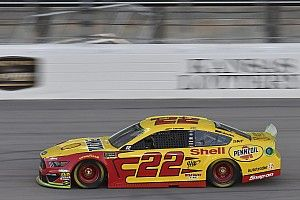 Logano wins Stage 1 in two-lap shootout at Kansas