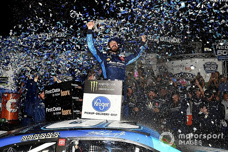 Truex dominates in Martinsville win; Hamlin and Logano fight